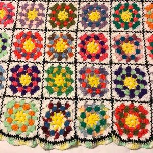 Vintage Bedding - 😻 PERFECT! ☀️ Crocheted Afghan Throw Blanket